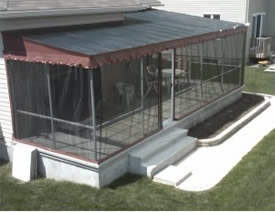 Veranda with polycarbonate-panel roofing